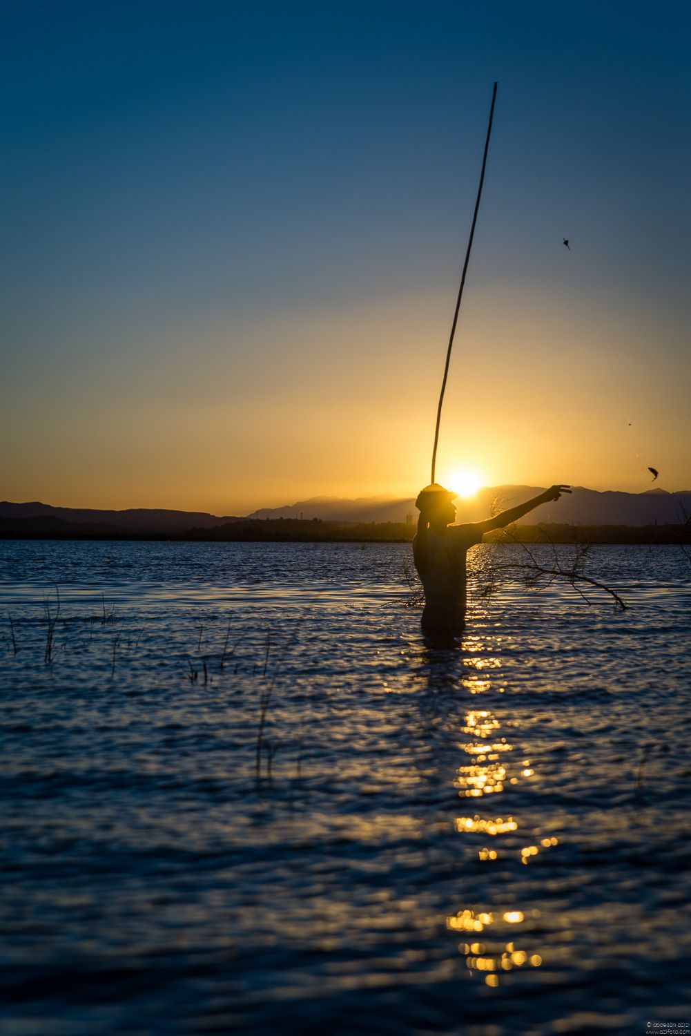 Fishing in ouarzazate lake