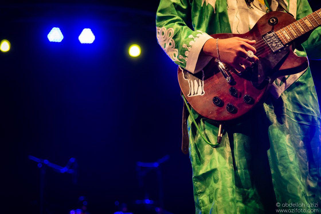 Guitar player Taragalte Festival, Mhamid, Morocco